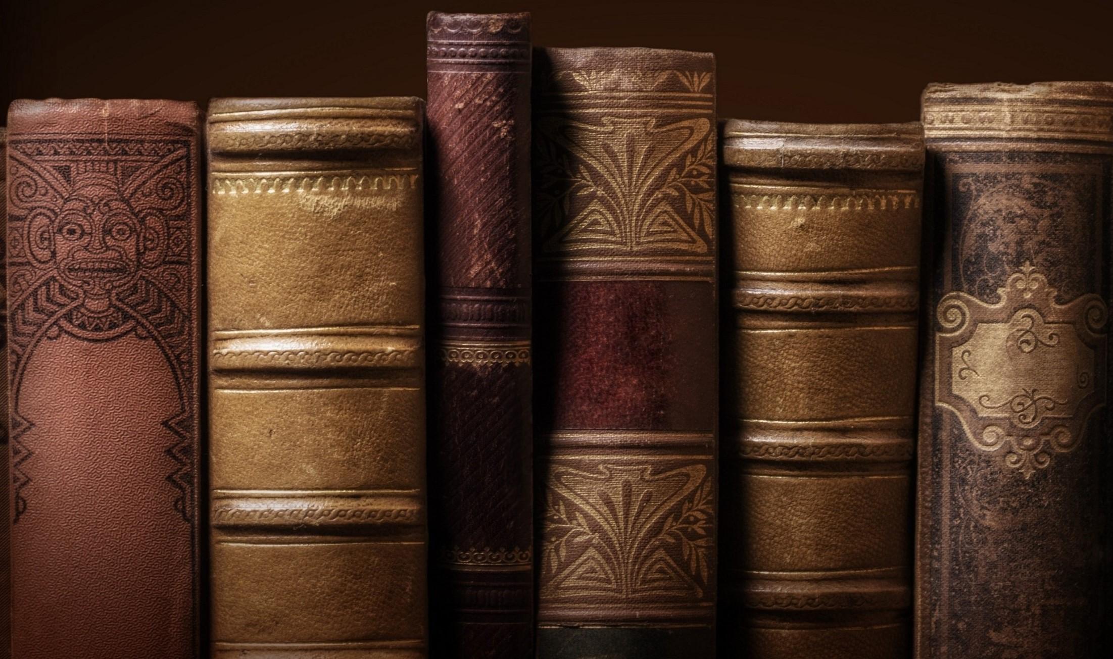 Literature books cover 2560x1440